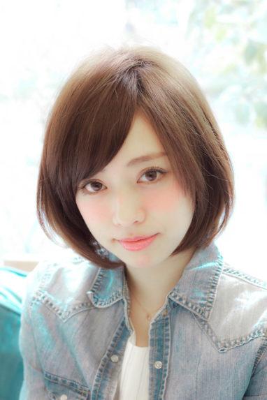 ひし形シルエット・小顔ミディアムの画像です